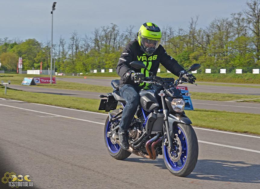 Olcsójános mókagyáros  Yamaha MT-07 teszt - Motorosbolt ef4161b204